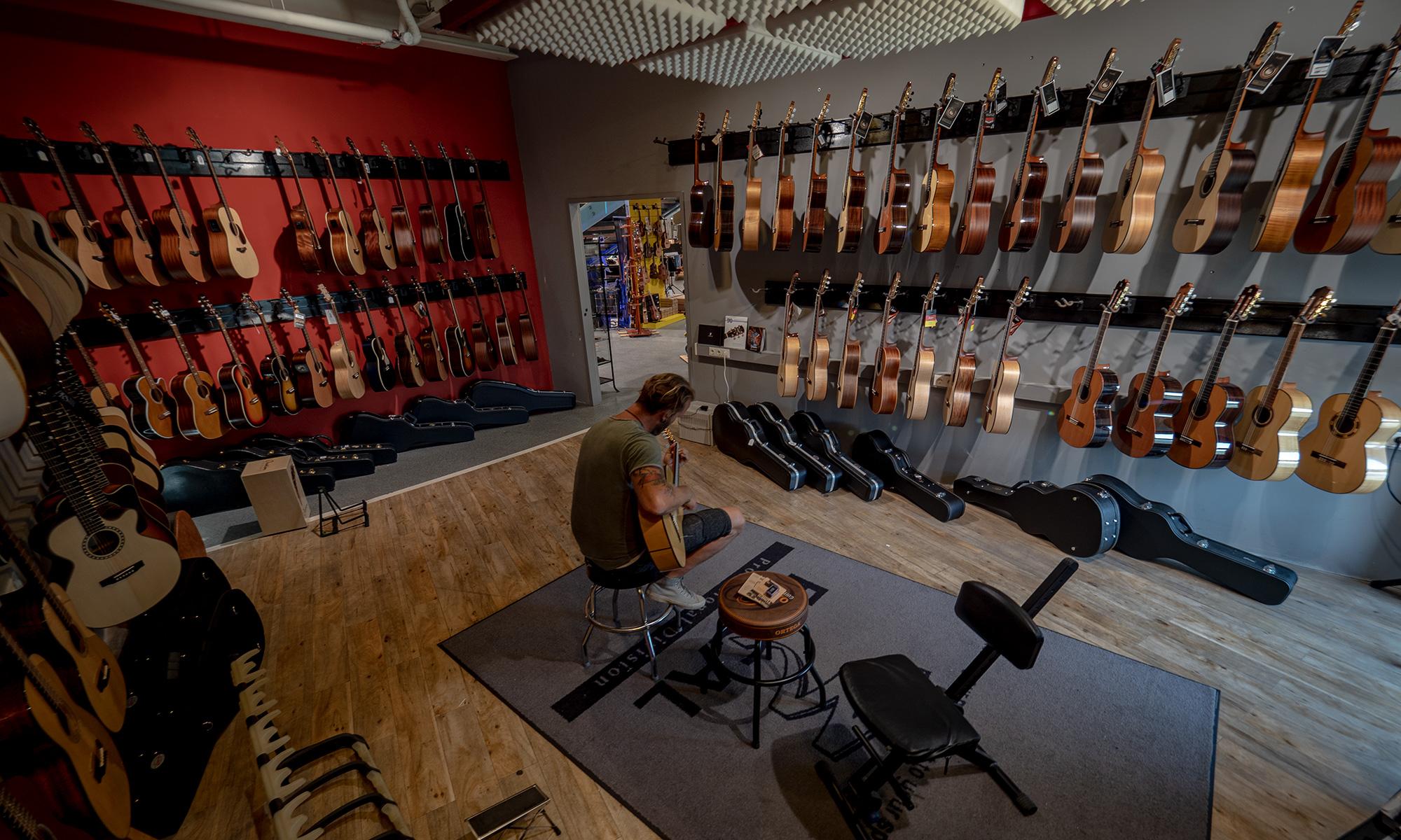 acousticbanner.jpg