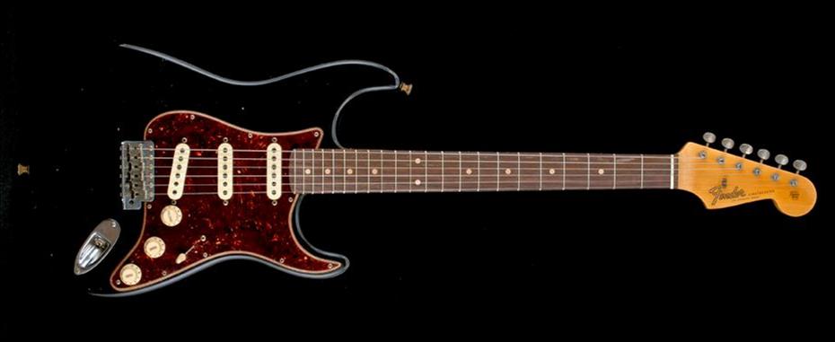Fender 2019 Postmodern Stratocaster Journeyman Relic Rosewood Fingerboard Aged Black